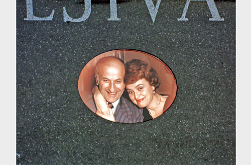 Porcelain And Ceramic Portraits For Headstones For Sale - Ceramic photo on headstone